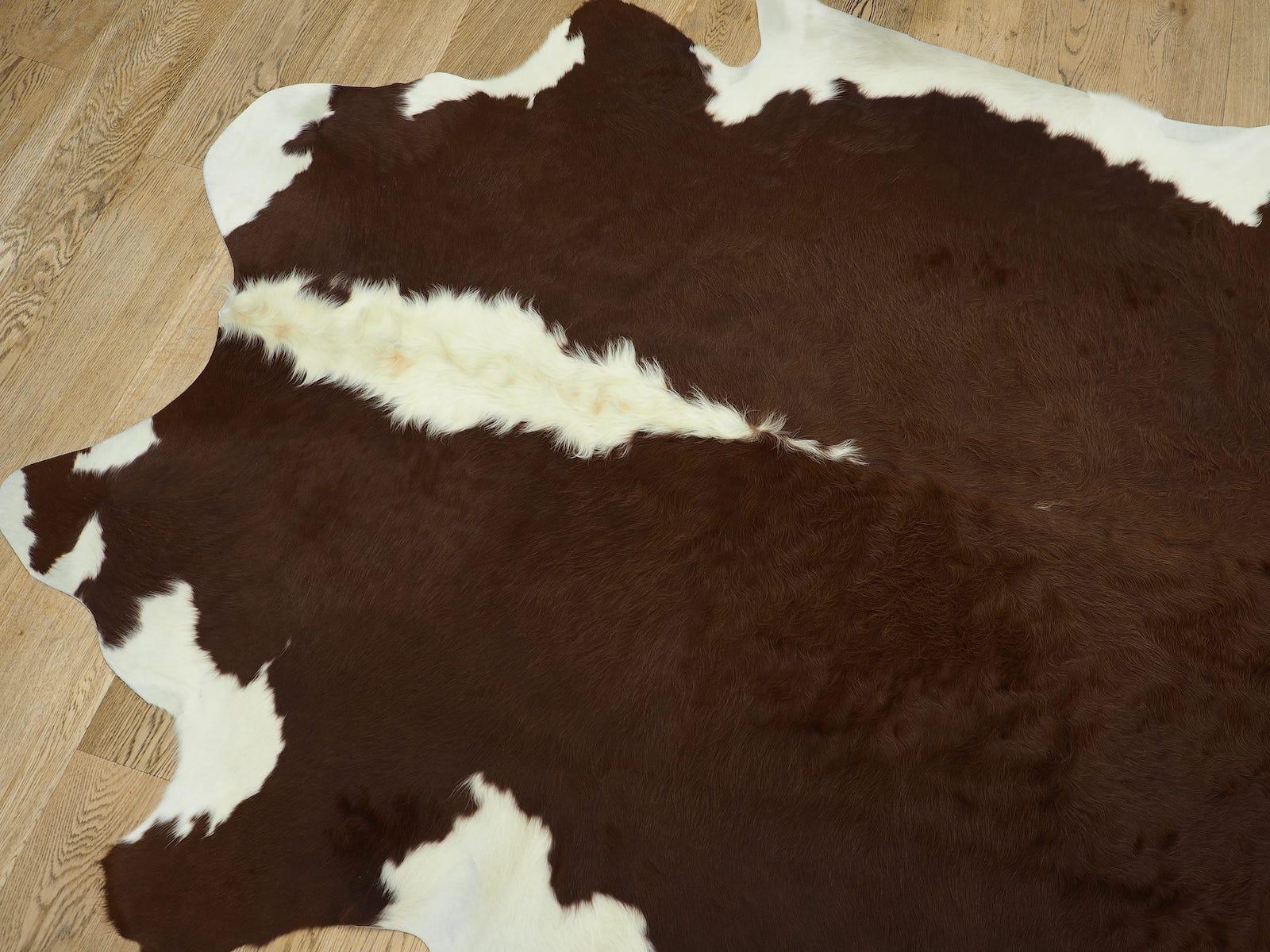 Шкура коричнево белая герефордской породы арт. 24529